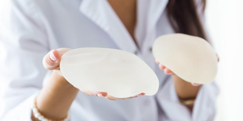 Cambio de implantes mamarios por otros de distinto tamaño o forma